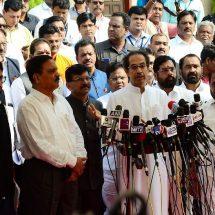 मुख्यमंत्री समेत विधायक और कर्मचारियों के वेतन में कटौती