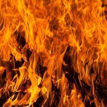 पश्चिम बंगाल के सिलीगुड़ी में आग लगने से पांच दुकानें जलकर राख