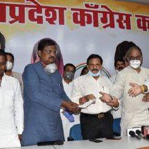 पूर्व सांसद प्रेमचंद गुड्डू और उनके पुत्र भाजपा छोड़कर कांग्रेस में हुये शामिल