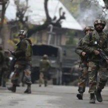 पुलवामा में आतंकियों ने सीआरपीएफ और पुलिस की संयुक्त टीम पर किया हमला, 2 जवान घायल