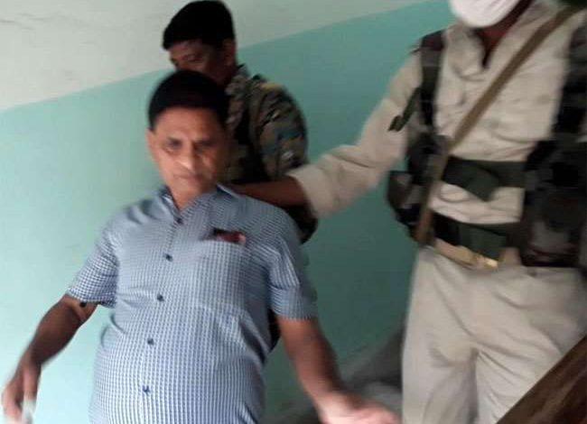 झारखंड के गढ़वा में कार्यपालक अभियंता रिश्वत लेते रंगे-हाथों गिरफ्तार